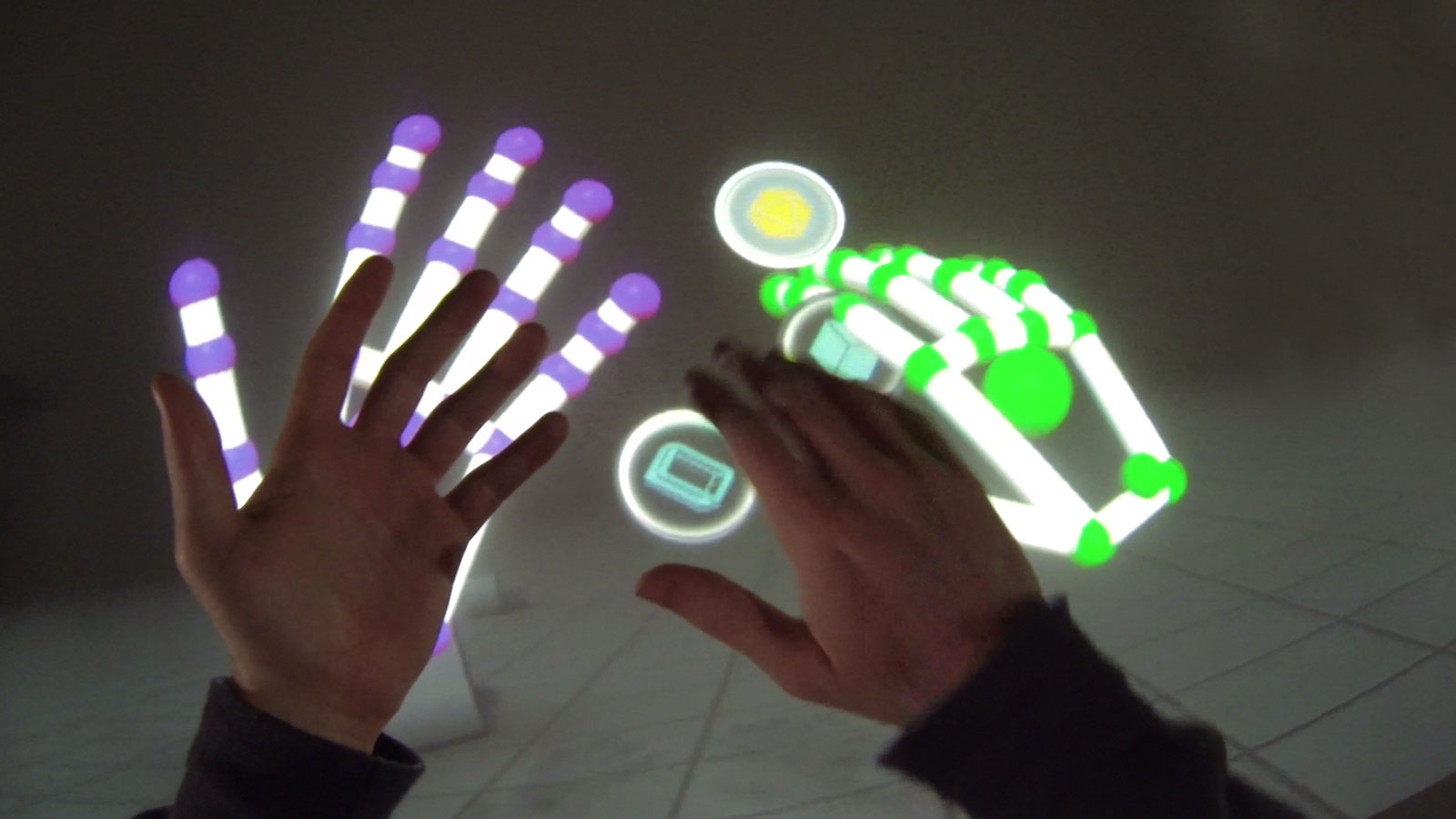Real hands with VR hands